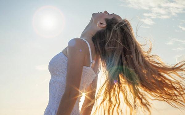 Cuidados com os cabelos durante o verão