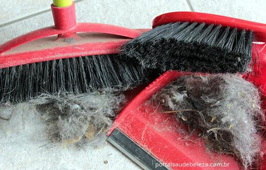 Como higienizar e limpar escovas de cabelo