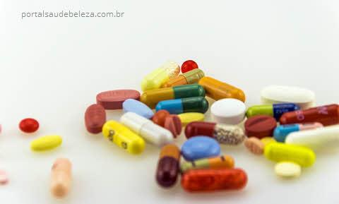 Várias remédios pílulas diferentes, ibuprofeno efeitos colaterais