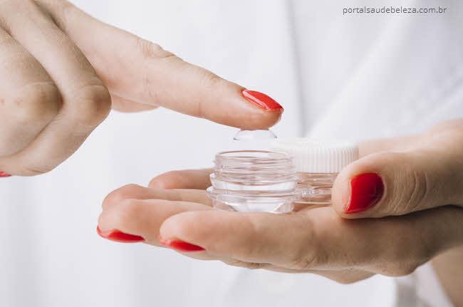 O que não fazer ao usar lentes de contato?