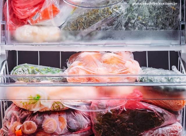 Pode recongelar alimentos ou é perigoso?