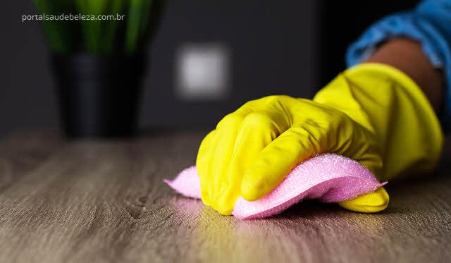 Como fazer a limpeza da casa na pandemia de vírus